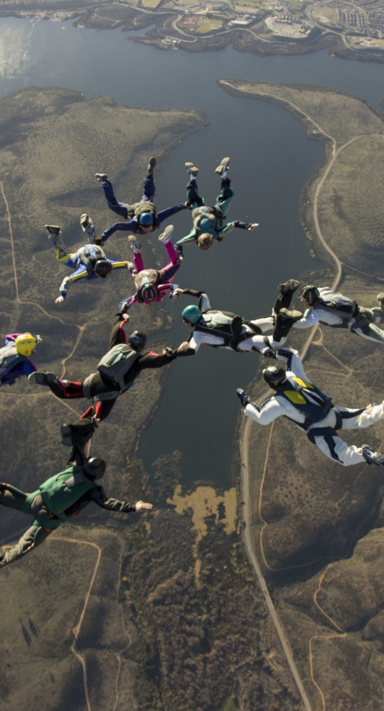 large pro jumpers skydiving san diego